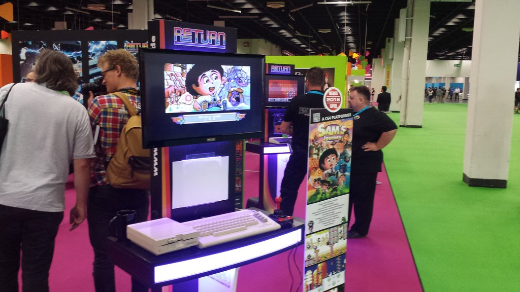 Sam's Journey on one of the fancy gaming terminals at the stand of the RETURN magazine